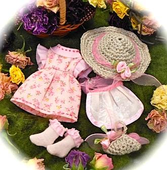 オビツ11サイズ手作り服:ピンク花柄ワンピ