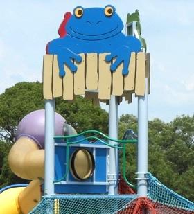 万博公園自然文化園内の遊具