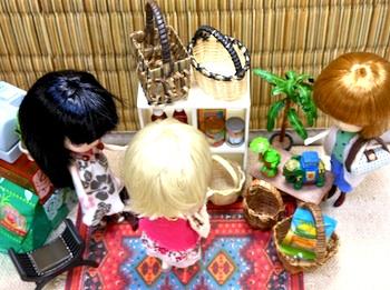 022asia-market03.jpg