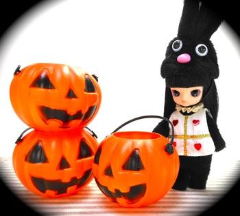 かぼちゃのバケツとリトルダル+Puki(プキ)