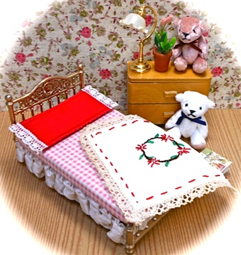 北欧Lundbyヴィンテージミニチュアのベッド