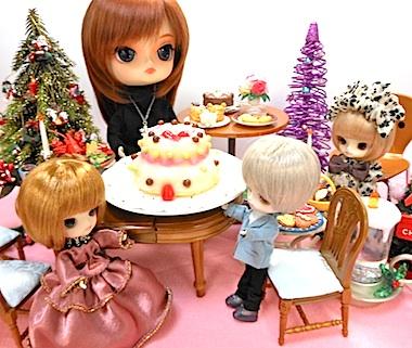 ダル ダータ(カスタム)とハッピーキッチンのデコレーションケーキ