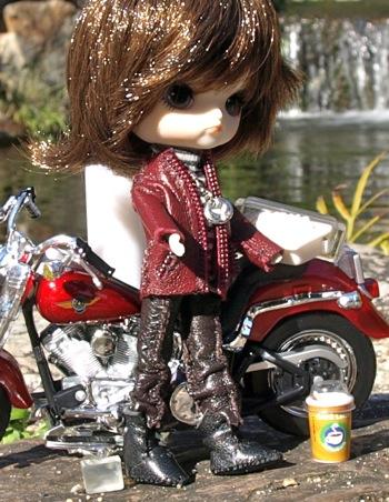 バイクとリトルダル+ジョルジュと手作り服