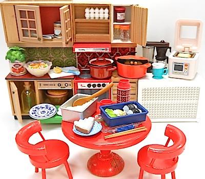 リーメント食玩とLundbyヴィンテージミニチュアキッチン家具