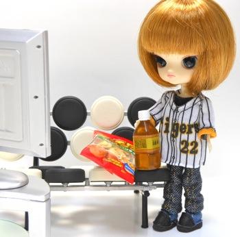 阪神タイガース ユニフォームマスコット(お直し)とリトルダル+