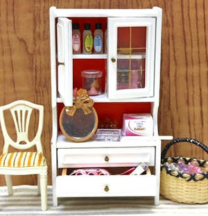 Lundbyミニチュア家具とリーメント食玩